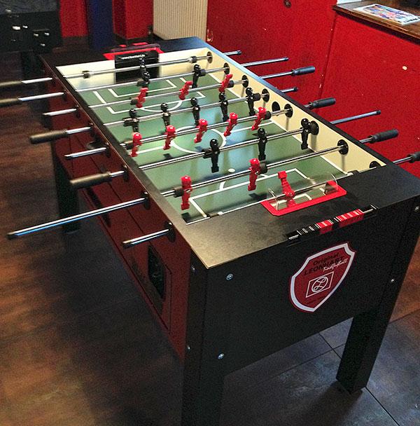 Unser schicker neuer Leo_Pro in schwarz-rot – anzutreffen im Zum Teufel, Mannheim